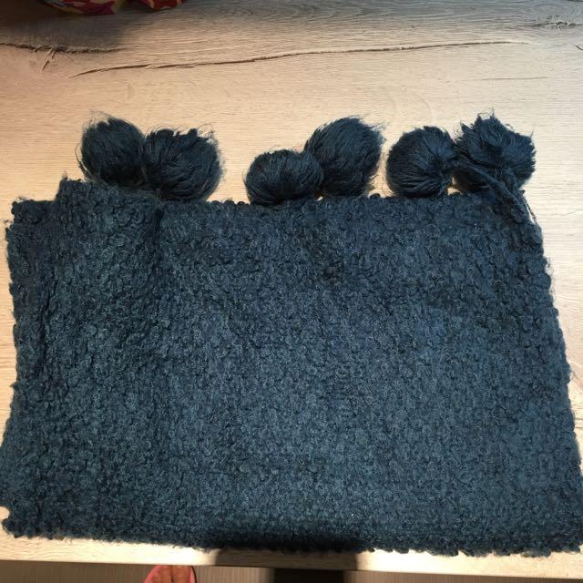 東京著衣  藍色毛球圍巾