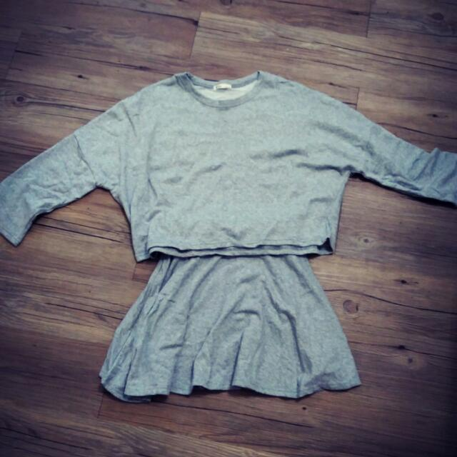 全新 A SO BI 韓國製灰色衣+裙(一套)