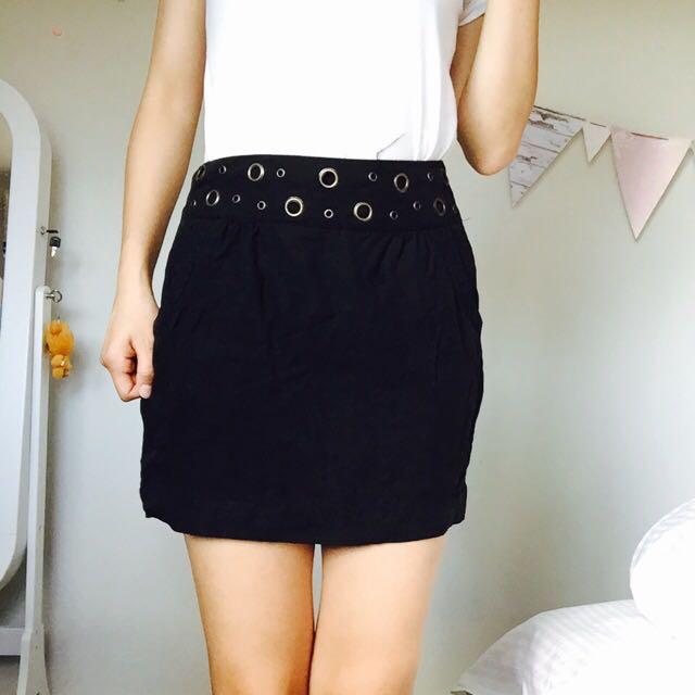 Dotti Size 8 Skirt