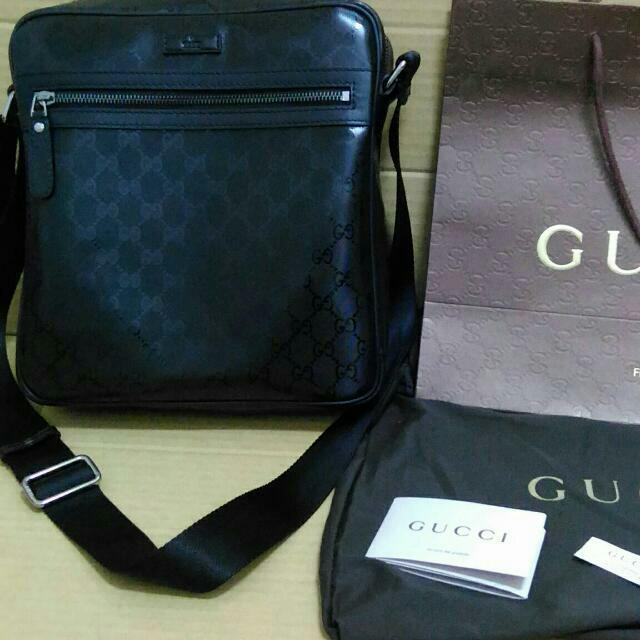 Gucci男側肩背包(全新)