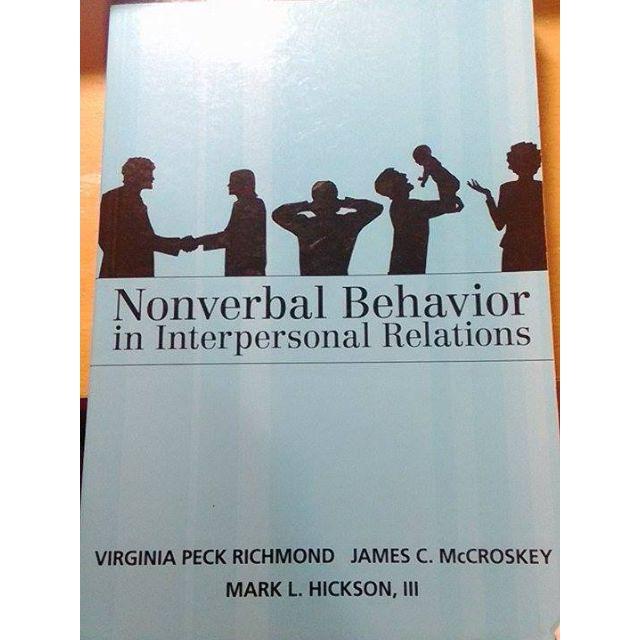 Nonverbal Behavior in Interpersonal Relations 非語言溝通課本