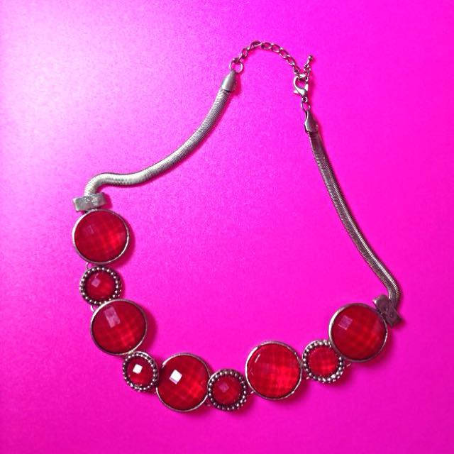 (Preloved) Kalung Cantik Warna Merah