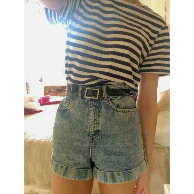 True High Waisted Vintage Style Denim Shorts Size 8