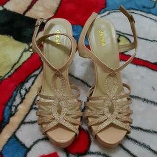 Sendal/Sepatu Wanita