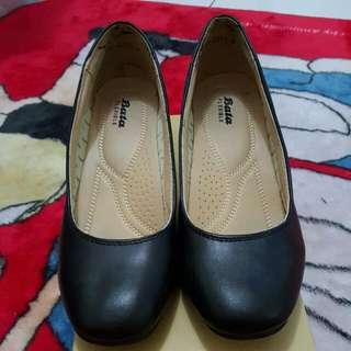 Sepatu Kerja Wanita