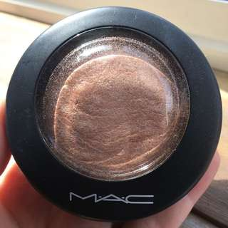 MAC MINERALIZE SKINFINISH SOFT & GENTLE