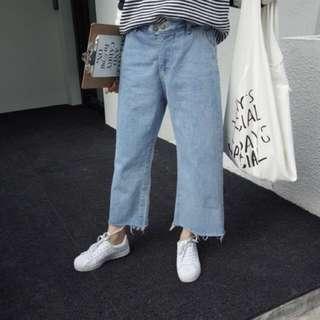 淺色牛仔寬褲