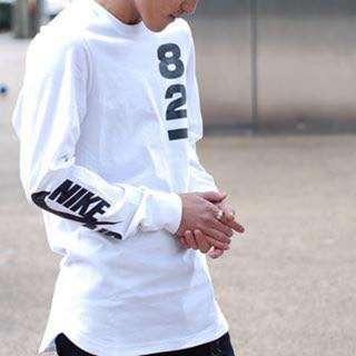Nike Air Force 白色長版T