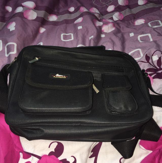 (全新品)側背包
