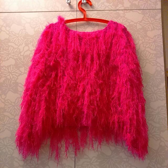 桃紅色 毛毛針織衣服