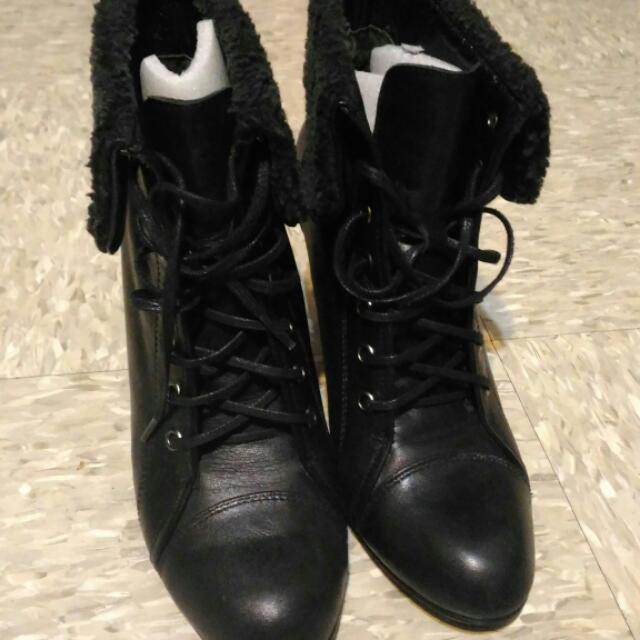 (代售)近全新 TAS真皮短靴