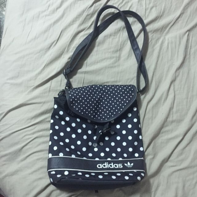 Adidas Original 黑白點雙用背包(含運)