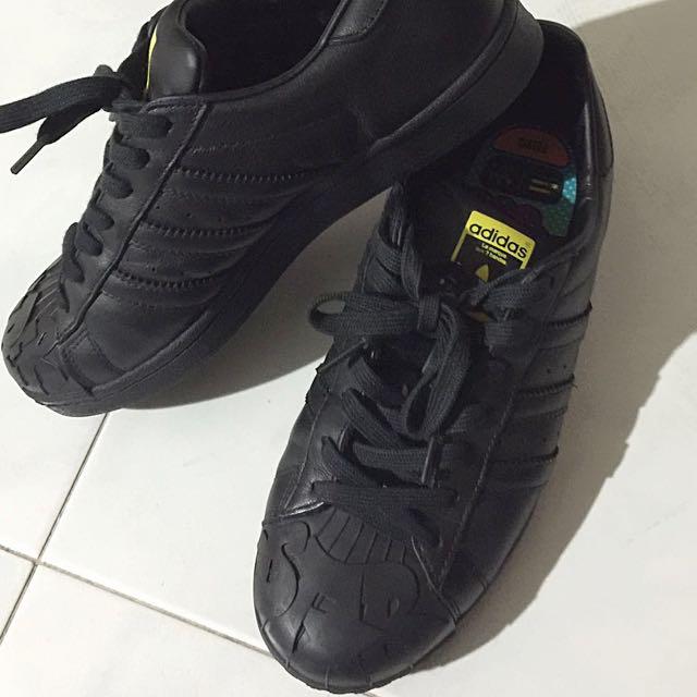pharrell williams black trainers