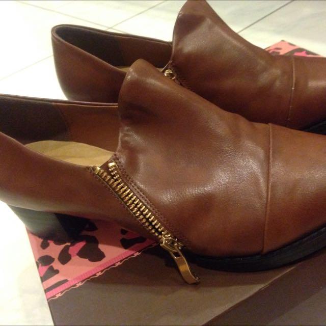 Ann's尖頭皮鞋