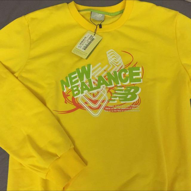 New Balance長袖圓領衫
