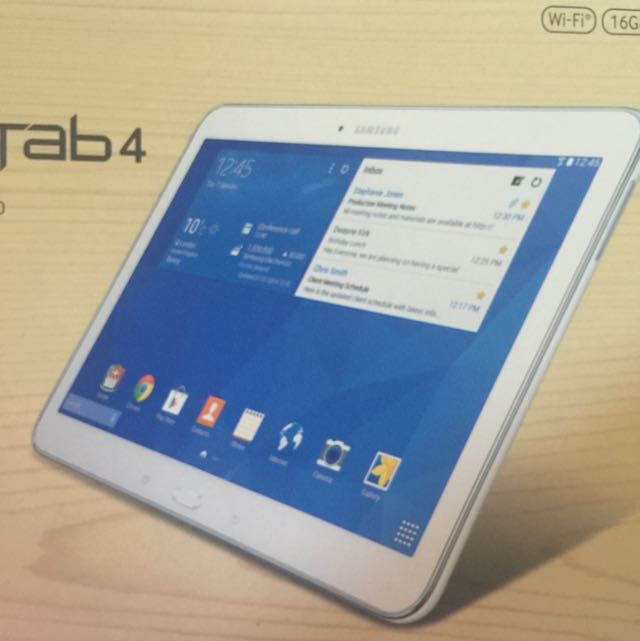 Samsung Galaxy Tab 4    white as a new no stchers no marks   with free 2case