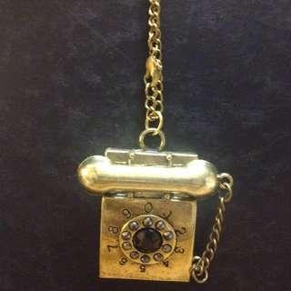 Telephone necklace