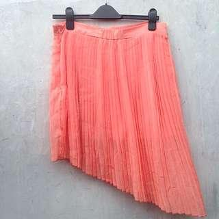 DISKON 30% Gaudi Peach Asymmetric Chiffon Mini Skirt (Pantone)