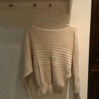 米白鉤針毛衣