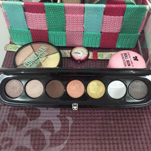 Authentic (almost 50% Off Retail Price) Marc Jacobs Eyeshadow