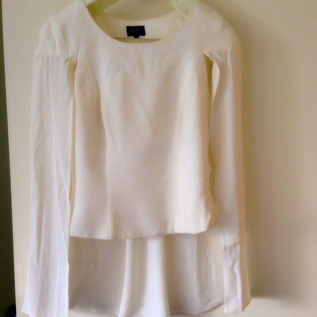 Bardot Size 8 White Cape Top