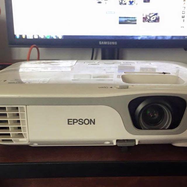Epson EB-X11 Projector!