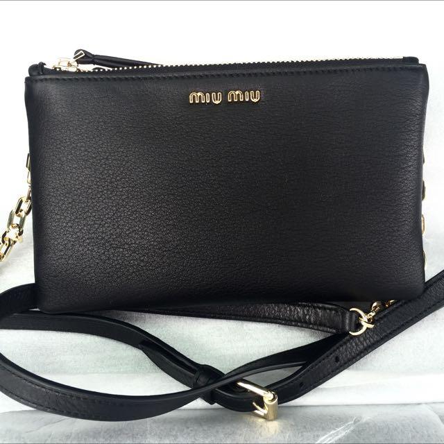 295e4348e27 MIU MIU Black Leather Crossbody Sling Bag 100% AUTH+BRAND NEW ...