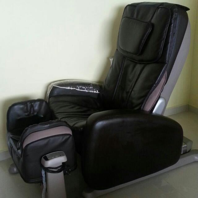 osim uyoyo massage chair in tip top condition, electronics on