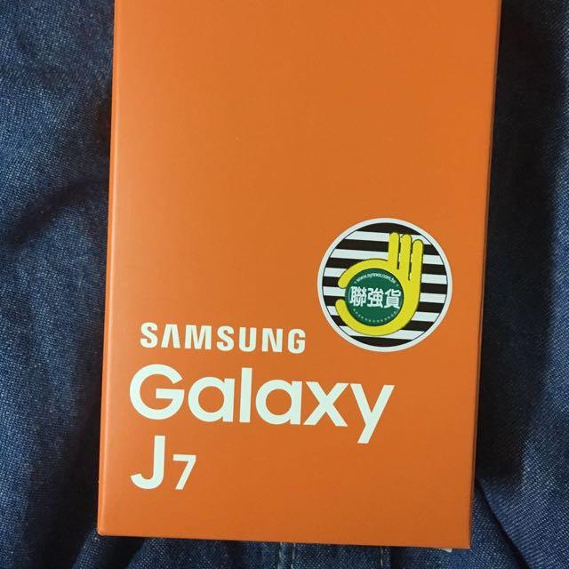 Samsung Galaxy J7 金色 全新未拆