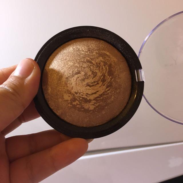 Savvy bronzer goldenglow