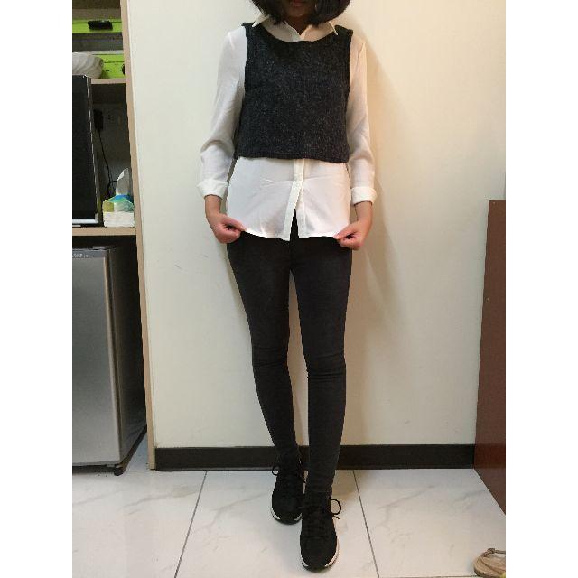 雪紡白襯衫+針織小背心+UQ黑色窄褲