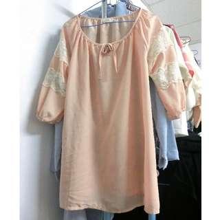 粉色雪紡洋裝上衣