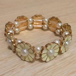 花朵 珍珠點綴氣質手環