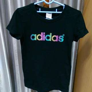 adidas黑色短袖T恤