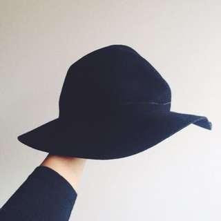 Black Wide Brim Hat ✖️