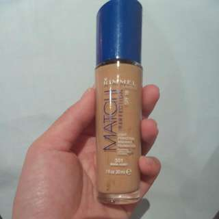 Brand New Rimmel MATCH Foundation Warm Honey