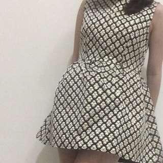 無袖小洋裝