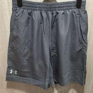 男子UA Launch Solid 7英寸跑步短褲