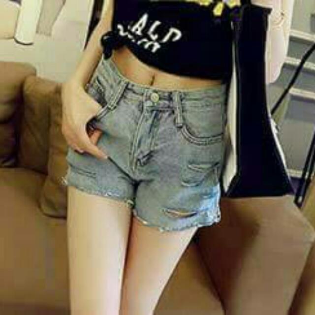 淺色單寧短褲