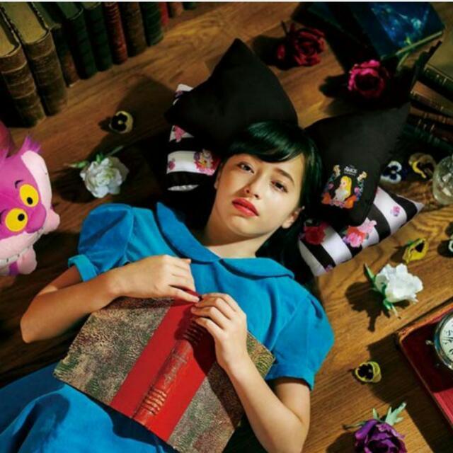 「一番くじ 不思議の国のアリス」B賞 アリスのリボンクッション 一番賞 B賞 愛麗絲夢遊仙境 蝴蝶結抱枕