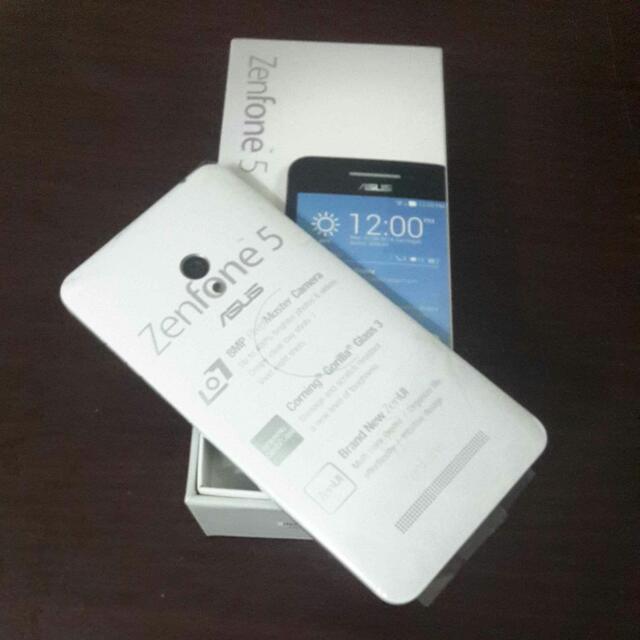 二手九成新 Zenfone5