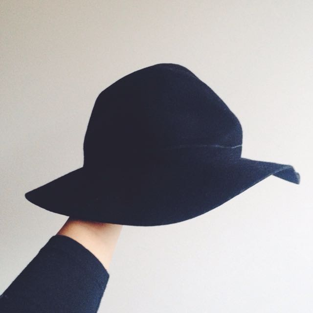 Black Wide Brim Hat ✖️