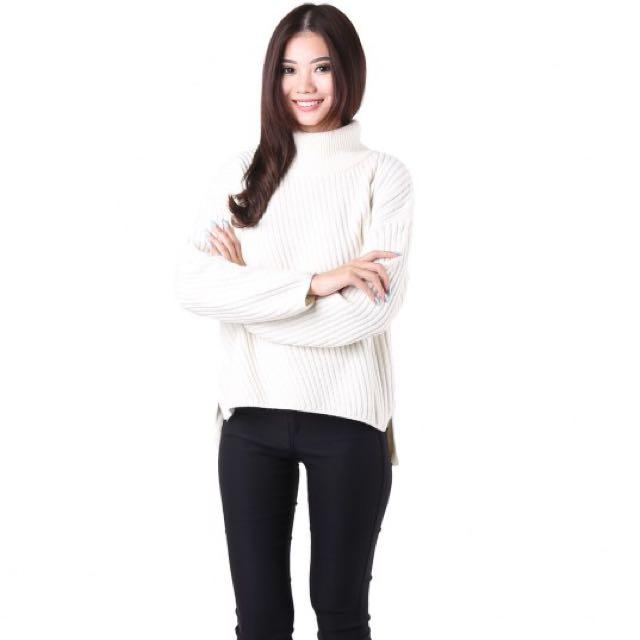 1e0ce8c54d Brand New  MGP Sora Pullover Sweater in Cream