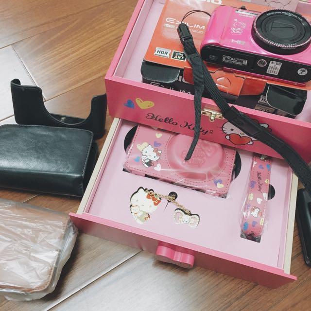 Casio Zr1500 Hello Kitty 紀念版(降價!)