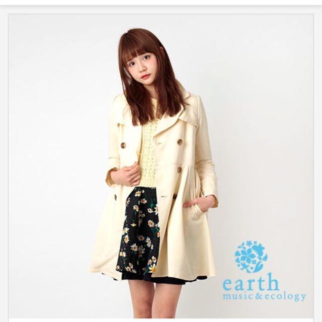 Earth Music 風衣外套