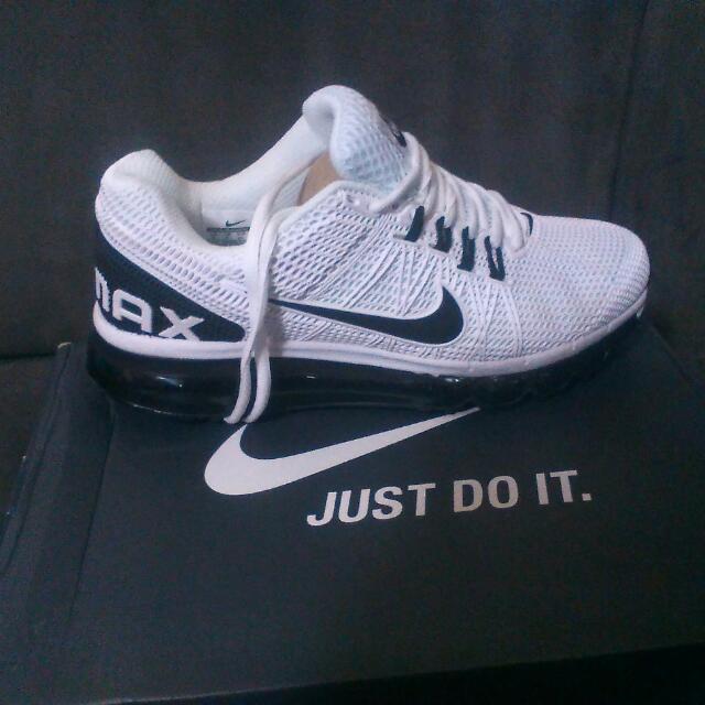 Nike Air Max - Size EUR 41 US 8