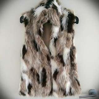 *SOLD PENDING PAYMENT * Zara Tricolour Faux Fur Vest.