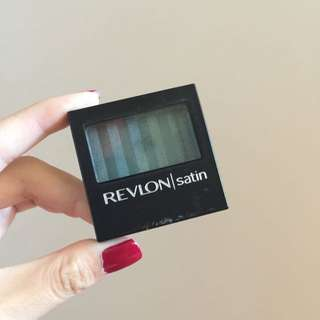 Revlon Satin Eyeshadow in Peacock Lustre (25)