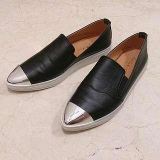 黑色尖頭懶人鞋