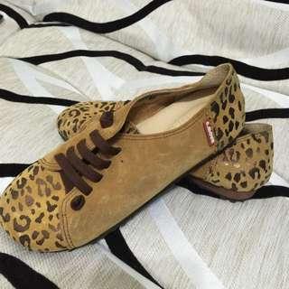 豹紋氣墊休閒鞋